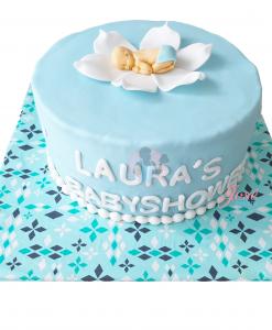 Babyshower taart baby in een bloem blauw 13 personen